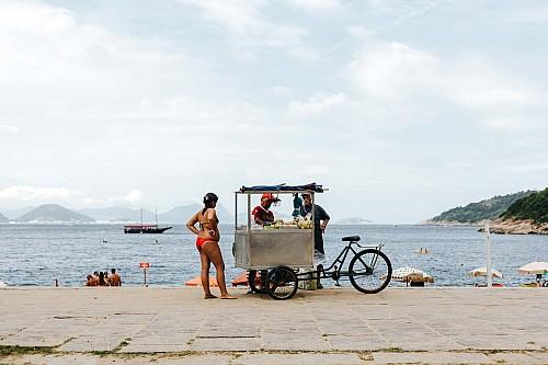 Kay Fochtmann - Brasilien - Rio de Janeiro - beach - vendor - travel photography