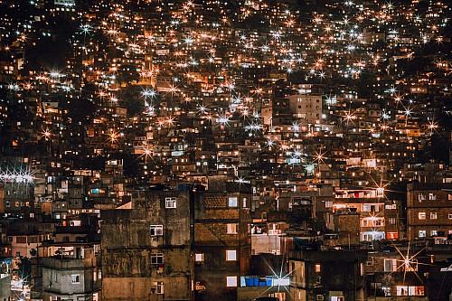 Kay Fochtmann - Brasilien - Rocinha - Rio de Janeiro - Favela - lights - night - travel photography