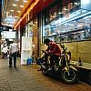 Kay Fochtmann - Thailand - night - waiting man - travel photography