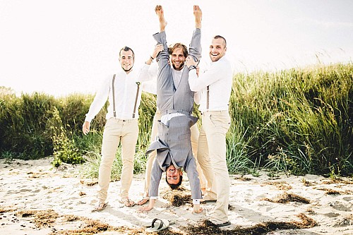 kay-fochtmann-photography-leipzig-wedding-portrait-handstand