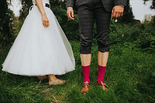 kay-fochtmann-photography-leipzig-wedding-portrait-socks